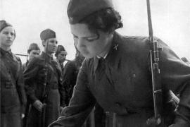 А зори здесь жаркие… История о том, как сталинградские девушки-зенитчицы остановили врага