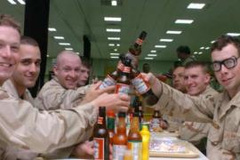 Встреча армейских друзей. Сценка из жизни в Англии