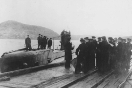 Как подводники Печенгу и проводницу напугали
