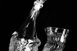 Две истории про стеклянный графин