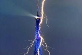 Демонтаж Эйфелевой башни