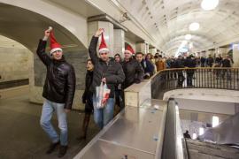 Предновогодняя встреча в метро