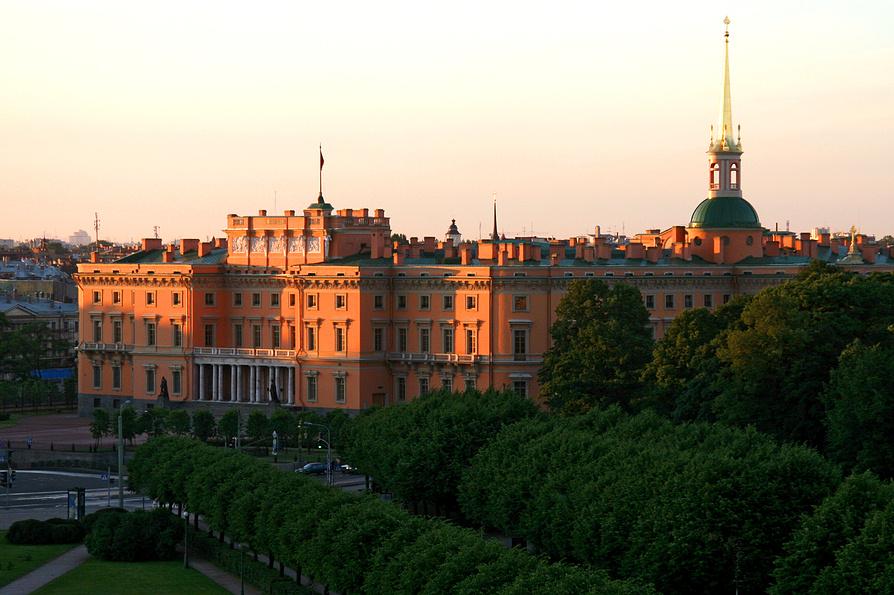 Картинка михайловский замок в петербурге